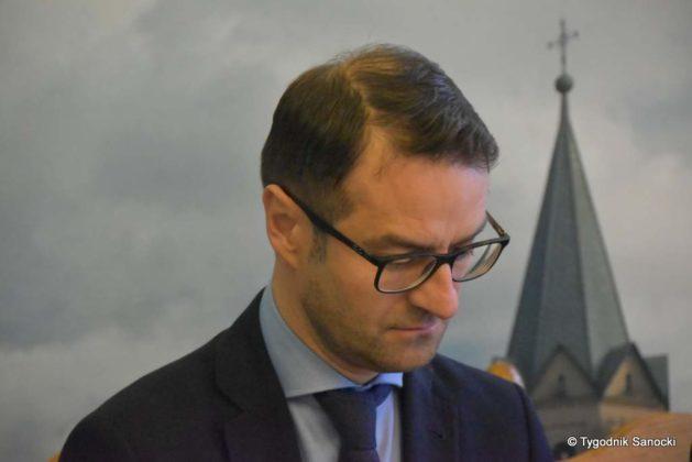 konferencja 10 629x420 - Ponad 8 milionów złotych dla Sanoka