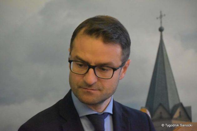 konferencja 11 629x420 - Ponad 8 milionów złotych dla Sanoka