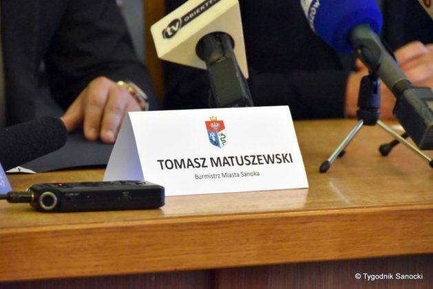 konferencja 15 629x420 - Ponad 8 milionów złotych dla Sanoka