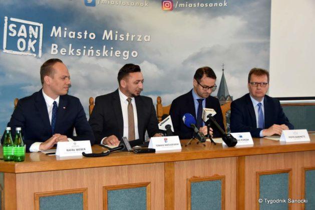 konferencja 6 629x420 - Ponad 8 milionów złotych dla Sanoka