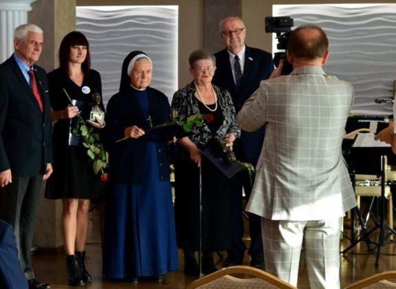 nagroda dla Sanitas 14 575x420 - Działania Sanitas docenione przez włodarzy Powiatu Brzozowskiego