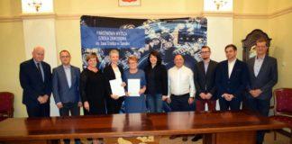 Podpisanie umowy na budowę Centrum Symulacji Medycznej