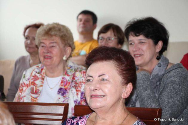 """wiatło nadziei 11 630x420 - Studenci Uniwersytetu Trzeciego Wieku z wizytą w """"Cukierkowie"""""""