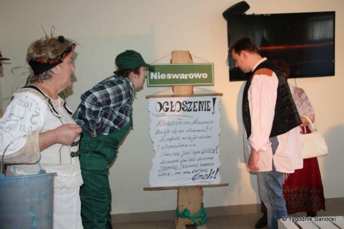 """Studenci Uniwersytetu Trzeciego Wieku z wizytą w """"Cukierkowie"""""""