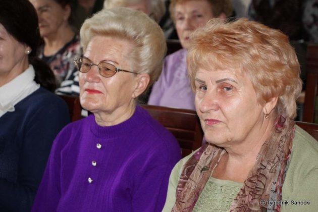 Studenci Uniwersytetu Trzeciego Wieku z wizytą w Cukierkowie
