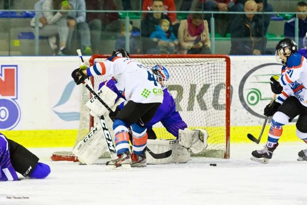 Foto Tomasz SowaIMG 3367 630x420 - Zwycięski dublet Niedźwiadków po bardzo zaciętych meczach