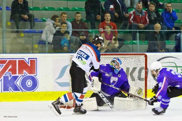 Foto Tomasz SowaIMG 3453 630x420 - Zwycięski dublet Niedźwiadków po bardzo zaciętych meczach