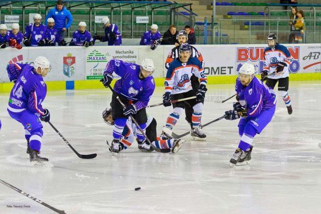 Foto Tomasz SowaIMG 3465 630x420 - Zwycięski dublet Niedźwiadków po bardzo zaciętych meczach