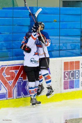 Foto Tomasz SowaIMG 3476 280x420 - Zwycięski dublet Niedźwiadków po bardzo zaciętych meczach
