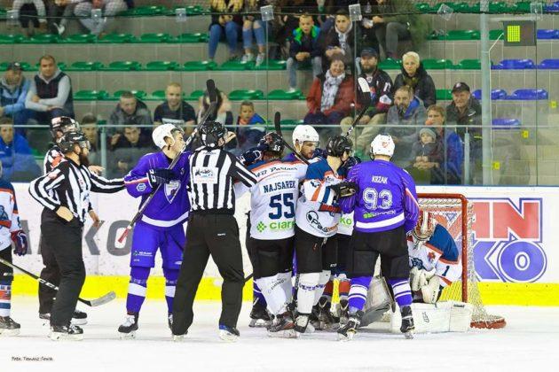 Foto Tomasz SowaIMG 3543 630x420 - Zwycięski dublet Niedźwiadków po bardzo zaciętych meczach