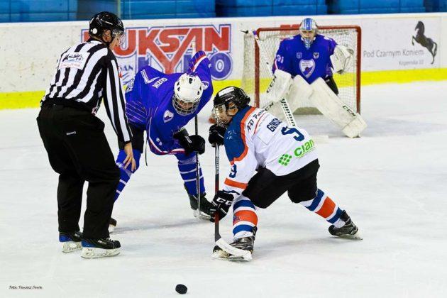 Foto Tomasz SowaIMG 3572 630x420 - Zwycięski dublet Niedźwiadków po bardzo zaciętych meczach