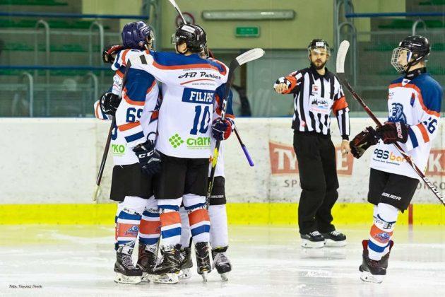 Foto Tomasz SowaIMG 3611 630x420 - Zwycięski dublet Niedźwiadków po bardzo zaciętych meczach