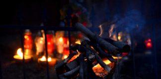 Kapliczka pamięci w Cisnej rozjaśniała w blasku płomieni zniczy 14 324x160 - Tygodnik Sanocki