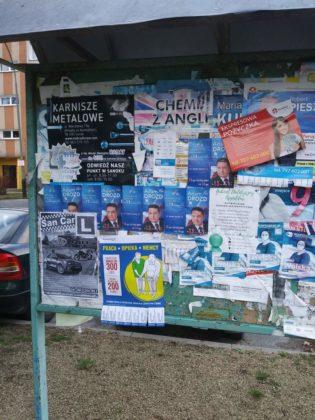 banery 2 315x420 - Plakaty wyborcze nadal wiszą i szpecą miasto
