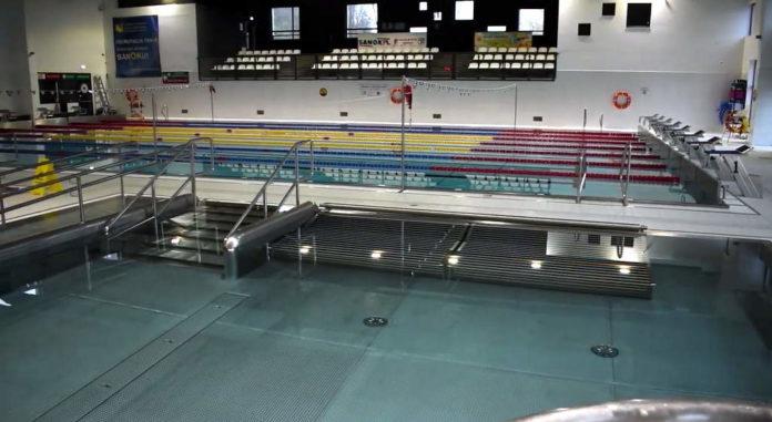 Zasady bezpieczeństwa na basenie (video)