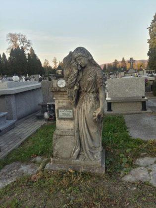 cmentarz9 1 315x420 - Spacer postarych cmentarzach wSanoku