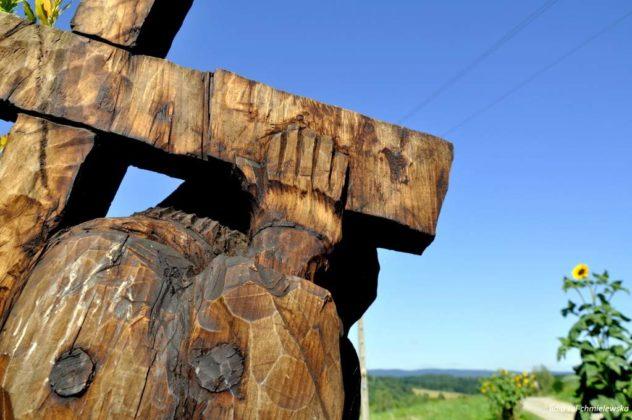 droga krzyżowa Zagórz 1 632x420 - Droga Krzyżowa w Zagórzu. A rzeźby same Ci opowiedzą
