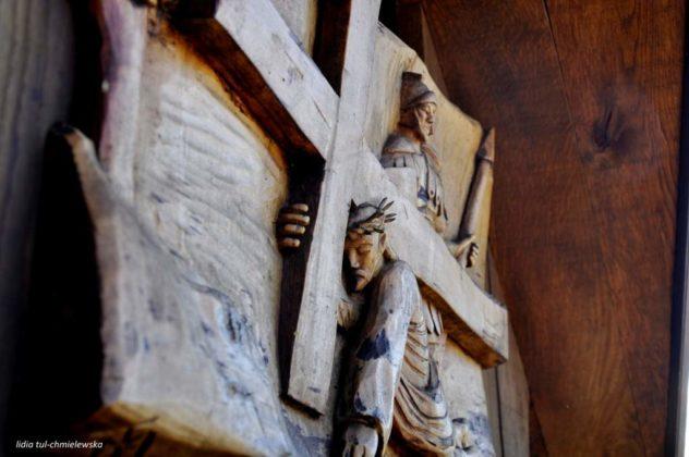 droga krzyżowa Zagórz 13 632x420 - Droga Krzyżowa w Zagórzu. A rzeźby same Ci opowiedzą