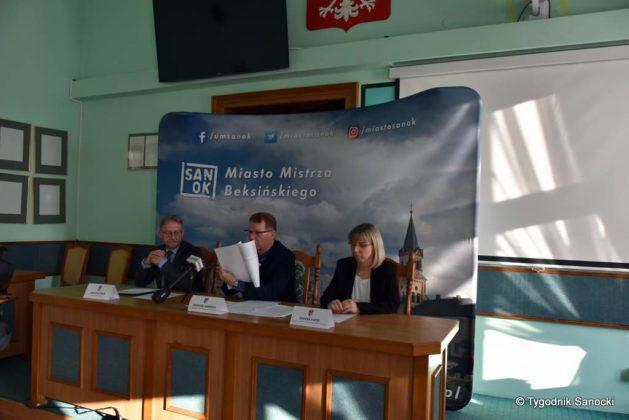 konferencja 2 629x420 - Konferencja prasowa dotycząca zaistniałej sytuacji w Przedszkolu nr 3
