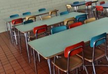 Szkoła niedorobi. Szkolny obiad tylkodla swoich