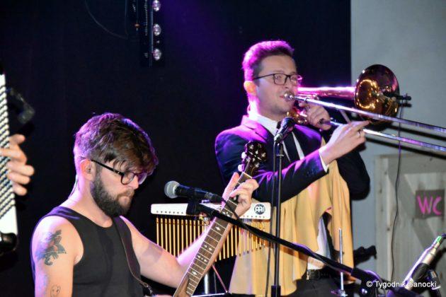 Andrzejki Dukla zespół z Rzeszowa 10 630x420 - Festiwal Wielu Kultur w Dukli. Węgry, Ukraina i Polska - zespoły pełne energii
