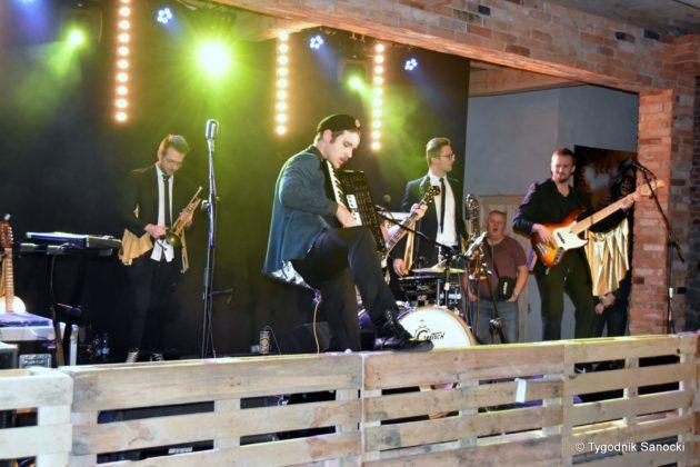 Andrzejki Dukla zespół z Rzeszowa 23 630x420 - Festiwal Wielu Kultur w Dukli. Węgry, Ukraina i Polska - zespoły pełne energii