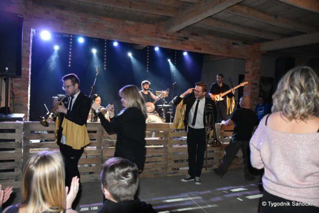 Andrzejki Dukla zespół z Rzeszowa 31 630x420 - Festiwal Wielu Kultur w Dukli. Węgry, Ukraina i Polska - zespoły pełne energii