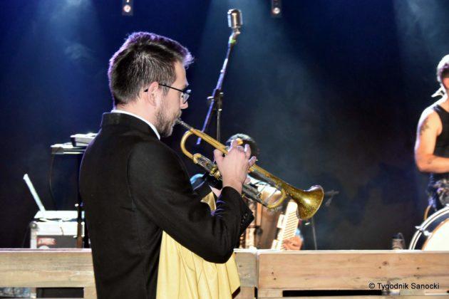 Andrzejki Dukla zespół z Rzeszowa 32 630x420 - Festiwal Wielu Kultur w Dukli. Węgry, Ukraina i Polska - zespoły pełne energii
