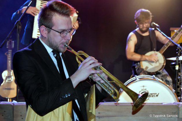 Andrzejki Dukla zespół z Rzeszowa 47 630x420 - Festiwal Wielu Kultur w Dukli. Węgry, Ukraina i Polska - zespoły pełne energii