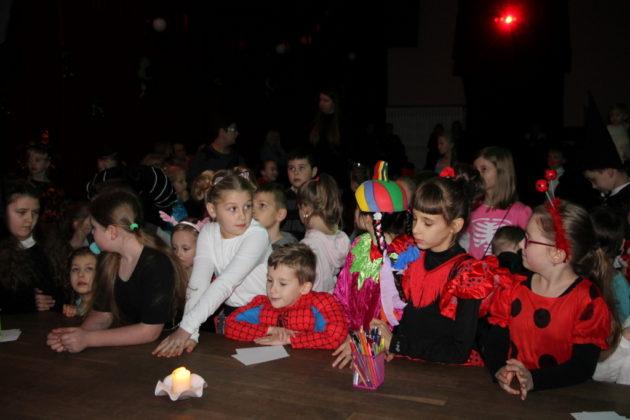 Andrzejki dzieci MDK 6 630x420 - Andrzejkowe wróżby dla najmłodszych