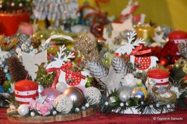 jarmark adwentowy 13 630x420 - Magia świąt Bożego Narodzenia - trwa Jarmark Adwentowy na sanockim Rynku FOTORELACJA