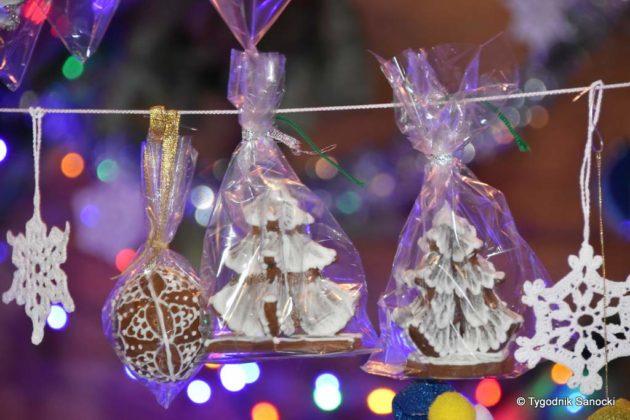 jarmark adwentowy 22 630x420 - Magia świąt Bożego Narodzenia - trwa Jarmark Adwentowy na sanockim Rynku FOTORELACJA