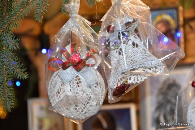 jarmark adwentowy 24 630x420 - Magia świąt Bożego Narodzenia - trwa Jarmark Adwentowy na sanockim Rynku FOTORELACJA
