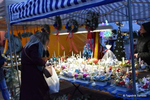 jarmark adwentowy 3 630x420 - Magia świąt Bożego Narodzenia - trwa Jarmark Adwentowy na sanockim Rynku FOTORELACJA