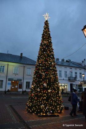 jarmark adwentowy 4 280x420 - Magia świąt Bożego Narodzenia - trwa Jarmark Adwentowy na sanockim Rynku FOTORELACJA