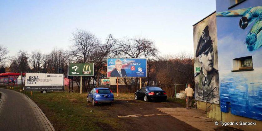 banner na Heweliusza 2 840x420 - Bannery wyborcze nadal wiszą