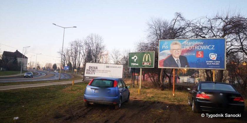banner na Heweliusza 3 840x420 - Bannery wyborcze nadal wiszą