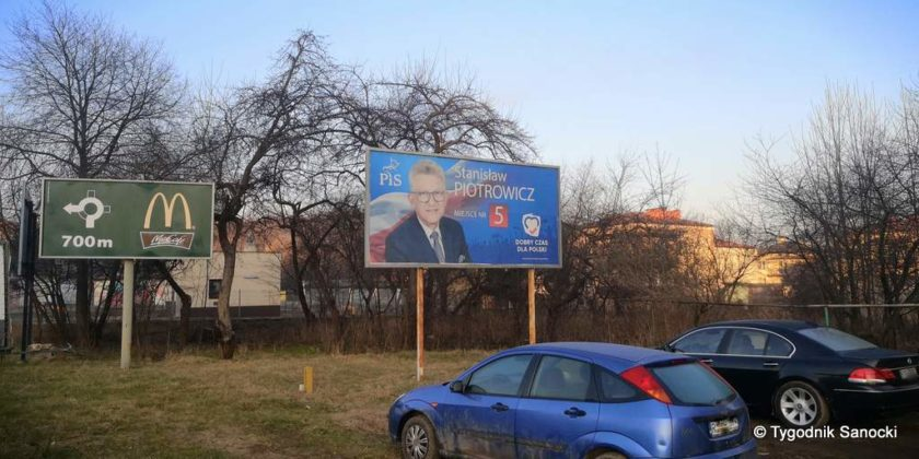 banner na Heweliusza 4 840x420 - Bannery wyborcze nadal wiszą