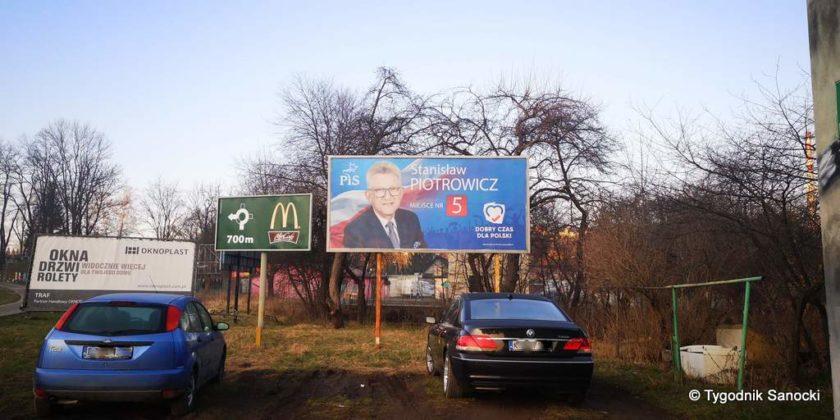 banner na Heweliusza 5 840x420 - Bannery wyborcze nadal wiszą