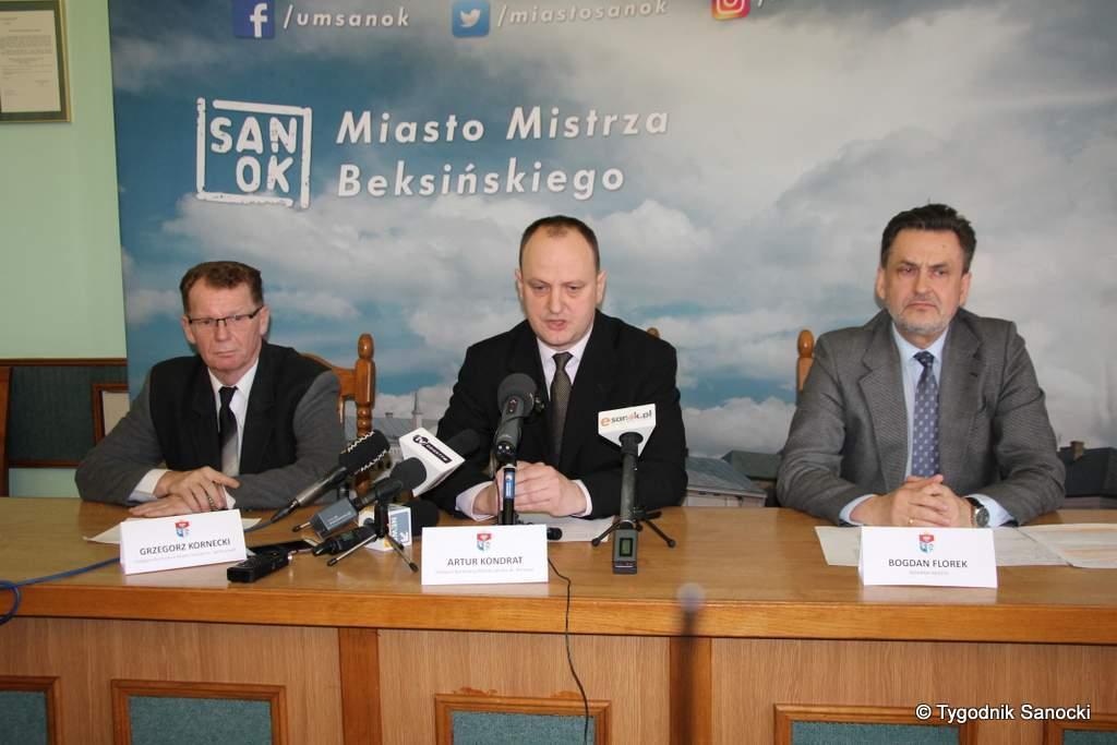 konferencja urzad miasta - Miasto zachowało płynność finansową - konferencja prasowa w związku z restrukturyzacją Podkarpackiego Banku Spółdzielczego