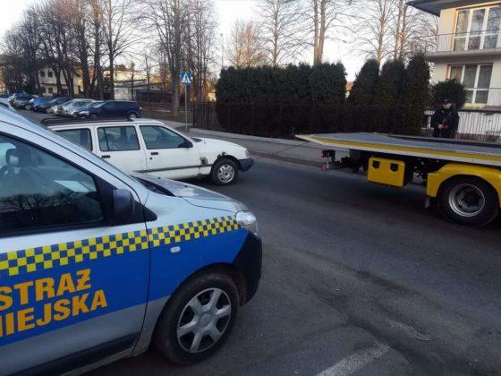 wraki sanok 1 560x420 - Wraki samochodów znikają z parkingów