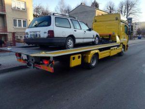 wraki sanok 2 300x225 - Wraki samochodów znikają z parkingów