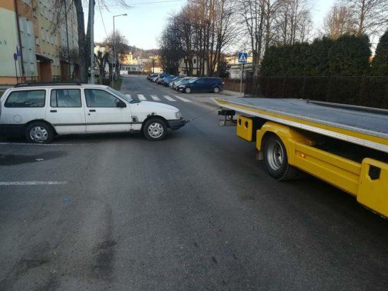 wraki sanok 4 560x420 - Wraki samochodów znikają z parkingów