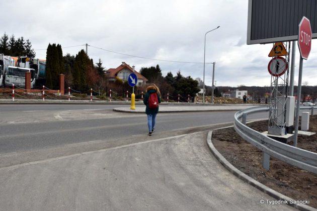 Bark przejścia dla pieszych – mieszkańcy miejscowości Zabłotce proszą o pomoc 3 630x420 - Brak przejścia dla pieszych – mieszkańcy miejscowości Zabłotce proszą o pomoc