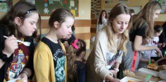 """""""Ciasteczkowa"""" inicjatywa uczniów z SP 6"""