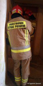 Jak wygląda służba strażacka w tym szczególnym czasie? Na pewno jeśli chodzi gotowość do pomocy, gaszenie pożarów to nic się nie zmieniło. Jednak dzień służby uległ nieco zmianie.