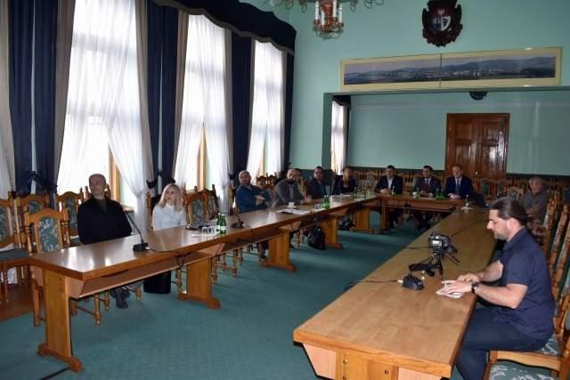 Spotkanie przedstawicieli Nadleśnictwa Lesko oraz samorządów, które realizują koncepcję powstania trasy rowerowej