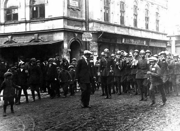 2 pułk na bolszewickim froncie