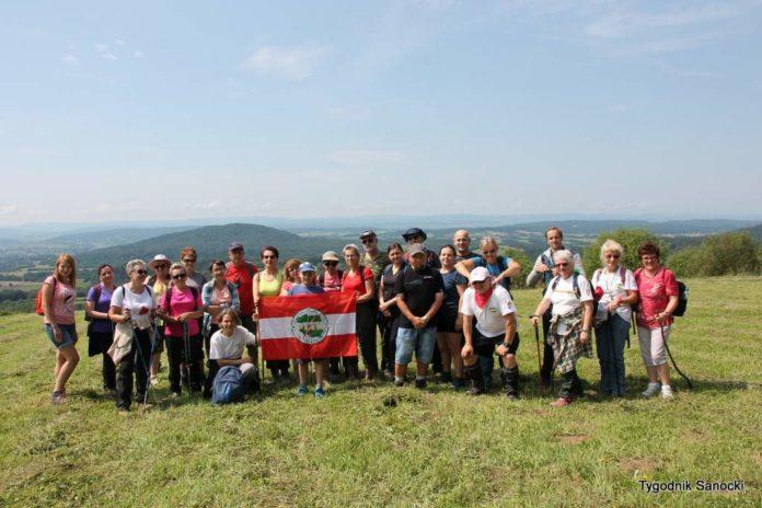 Leśny spacer Grzbietem Grabówki - relacja z wycieczki PTTK
