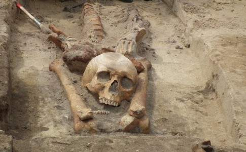 Jak żywych broniono przed umarłymi